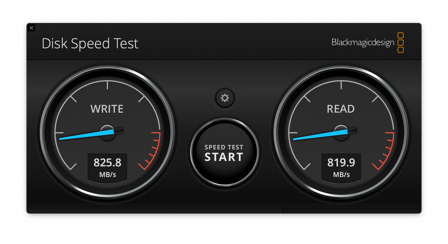 Write: 825.8MB/s, Read: 819.9MB/s